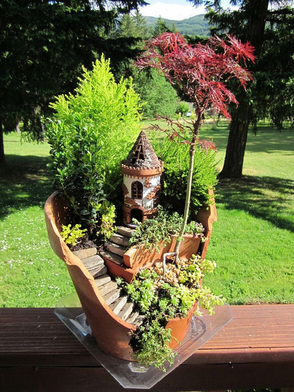 broken-pot-fairy-garden-24 (1)