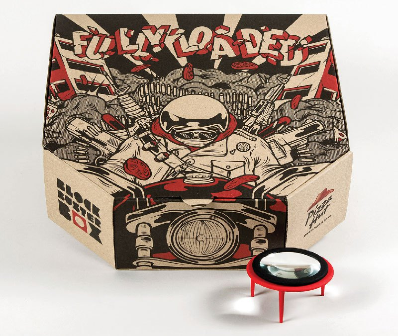 pizza-box-turns-your-smartphone-into-a-movie-projector-4