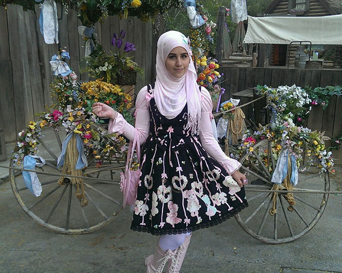 08-when-muslim-girl-meets-lolita-fashion